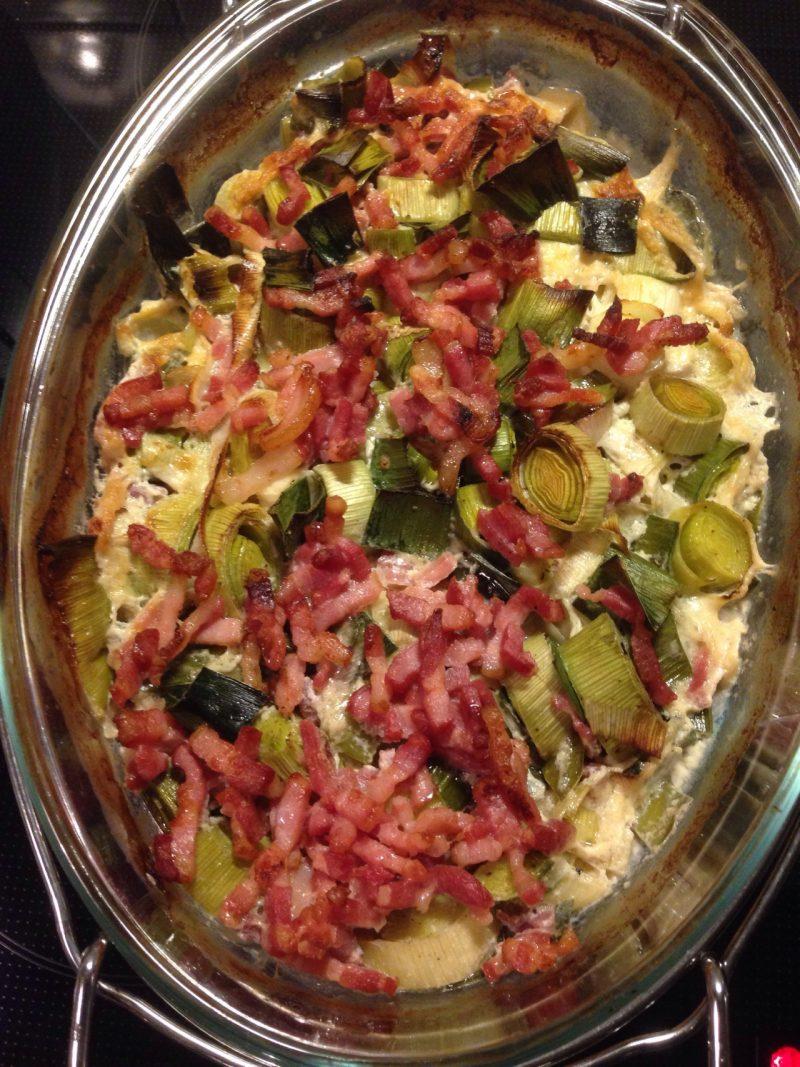 Porre med bacon og fløde